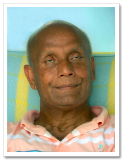 Sri Chinmoy meditates